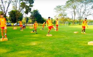 Plyometric Soccer Training with Box